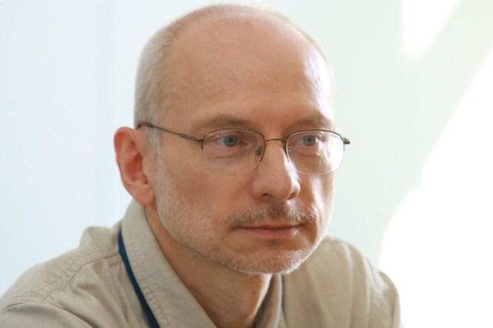 Profesor Mirosław Bańko. Źródło: fundacjajezykapolskiego.pl